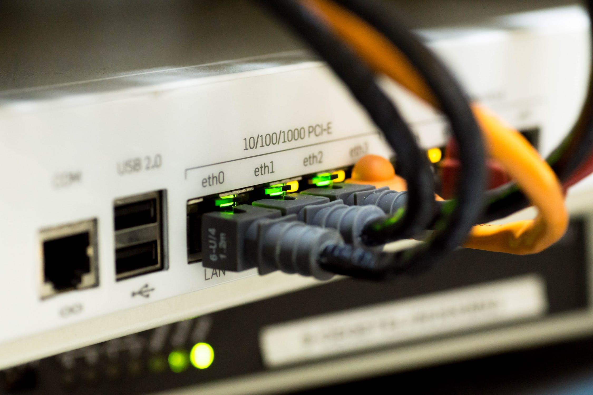 bagsiden af router